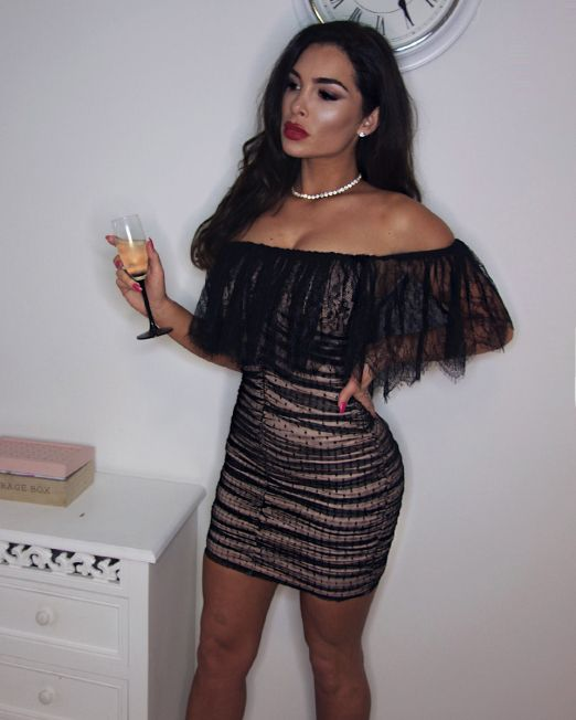 Tania-mini-haljina--s-volanom-Fashion-Queens-(1)