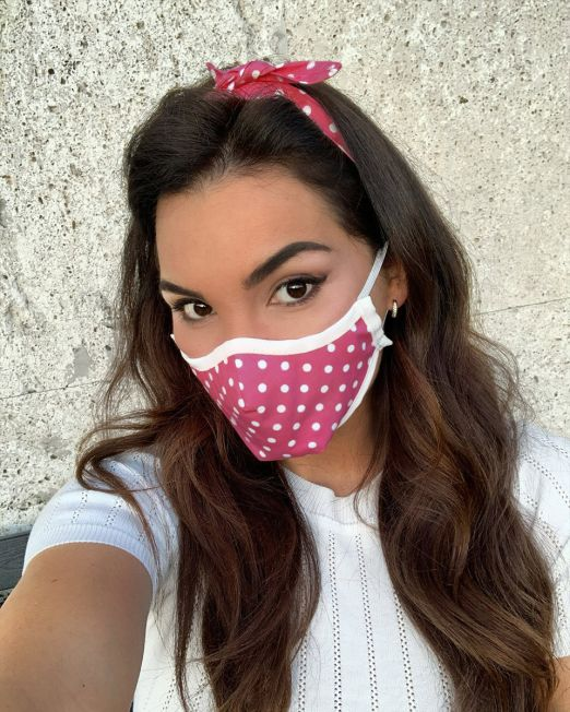 hot-pink-polka-mask-white-hem-featured
