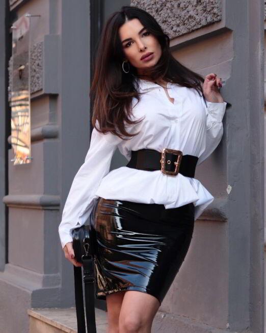 Xenia II – Latex Skirt (3)