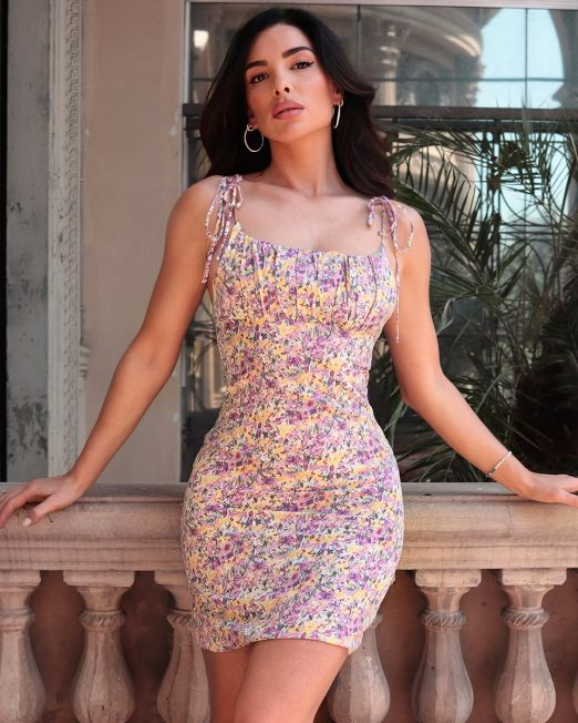Amara Floral dress with thin straps (1)